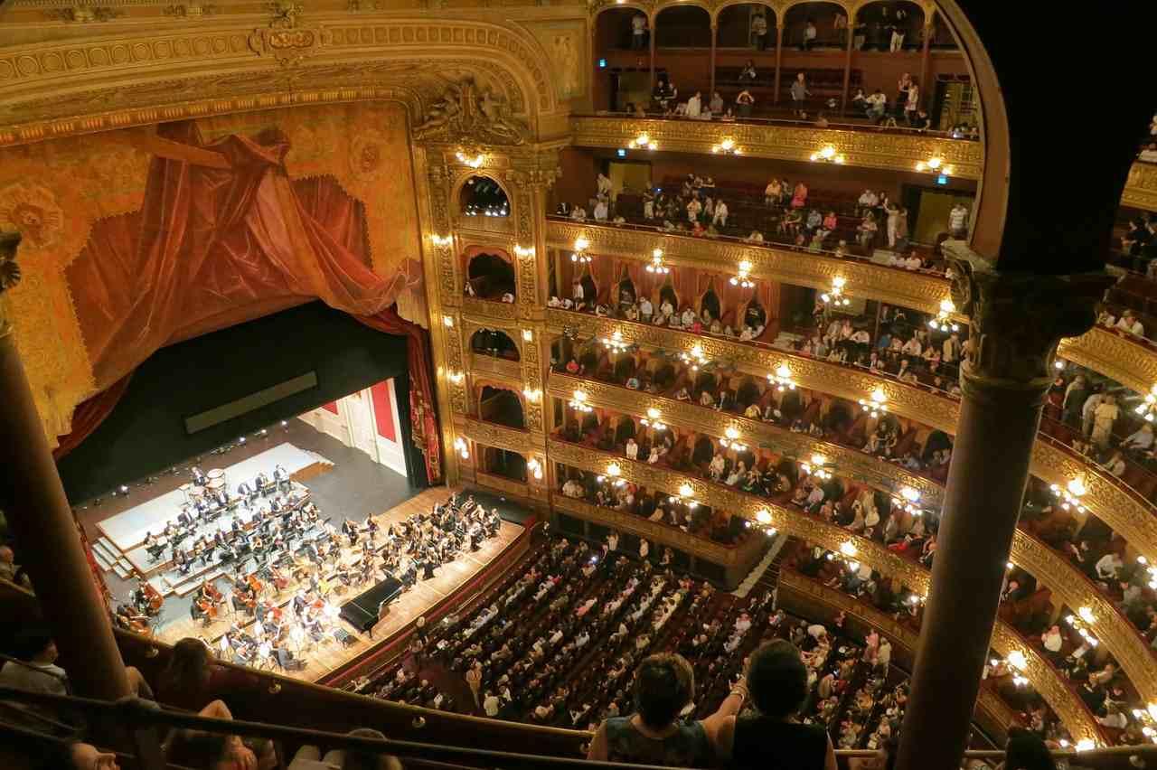 teatro-colon-buenos-aires-opera-594592_1280-reduced