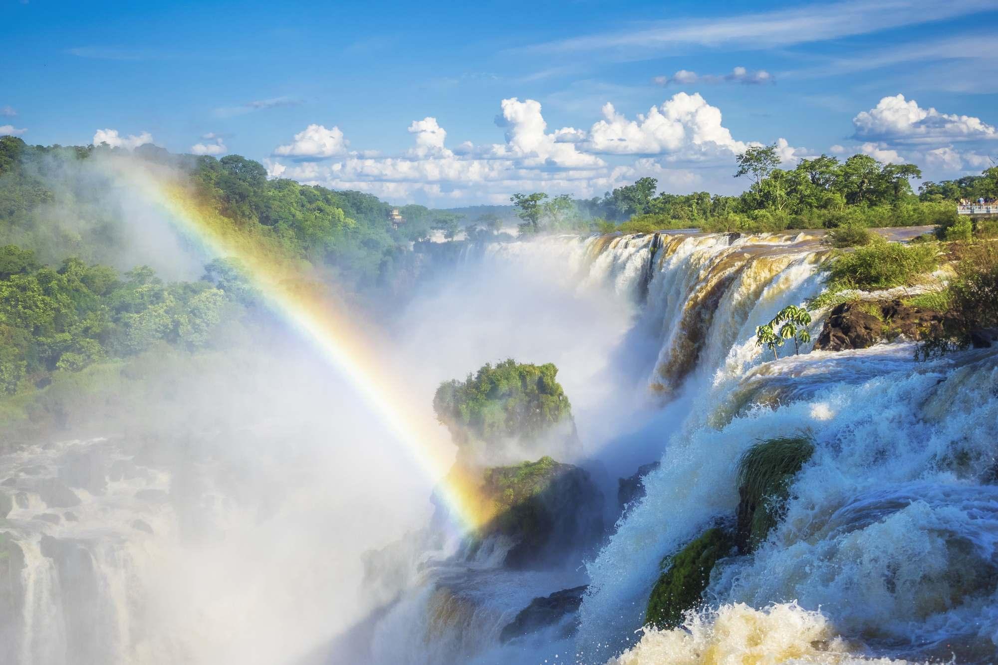 iguazu-falls-depositphotos_109989872_2000px-reduced